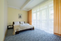 VILA BULEVAR ROOMS AND APARTMENTS – LARGE FAMILY APARTMENT WITH KITCHEN AND TERRACE